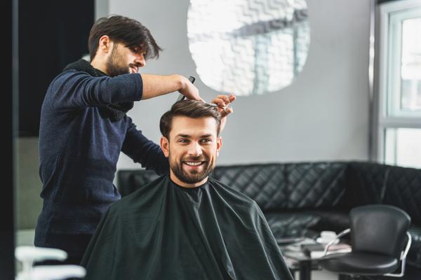 Världsklassig hårvård hos frisör på Kungsholmen